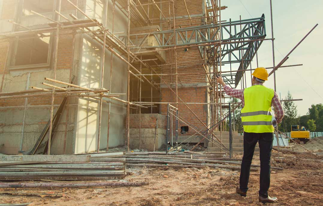 We are experts in builders and tradesman insurance – contact one of our agents today